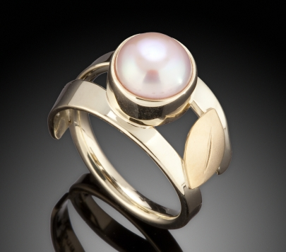 Pearl and 14K Green Gold Ring